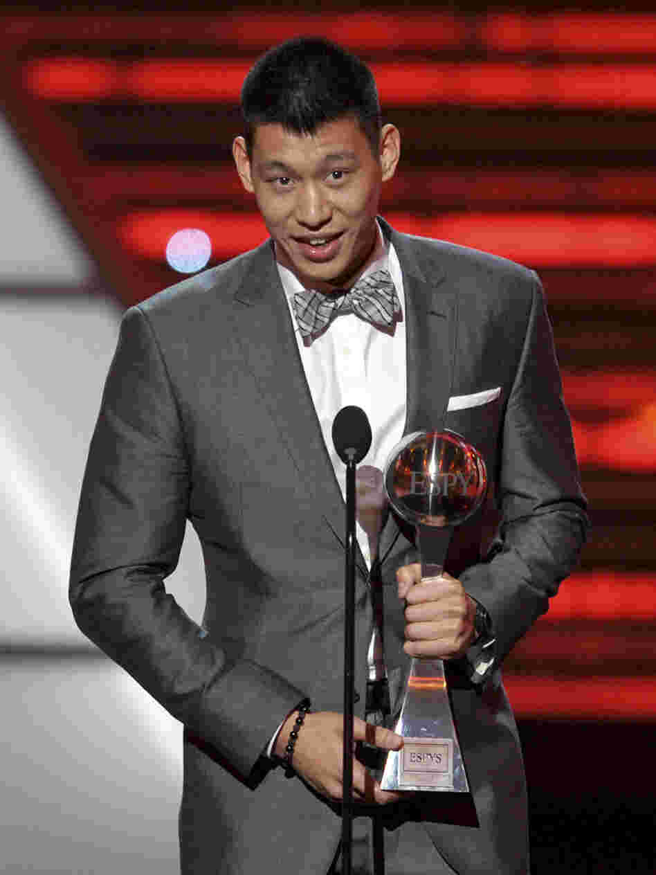 Lin accepts the trophy for Best Breakthrough Athlete at last week's ESPY Awards.