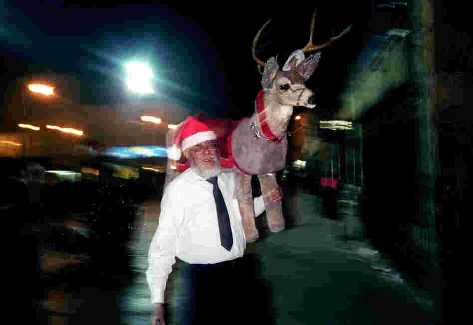 Santa Claus and his reindeer in the Plaza de Juarez, Christmas Eve, 2003
