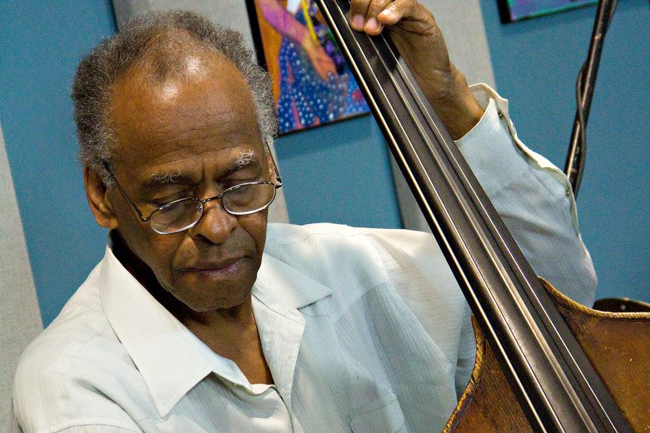 Cecil McBee. (Jazz24)
