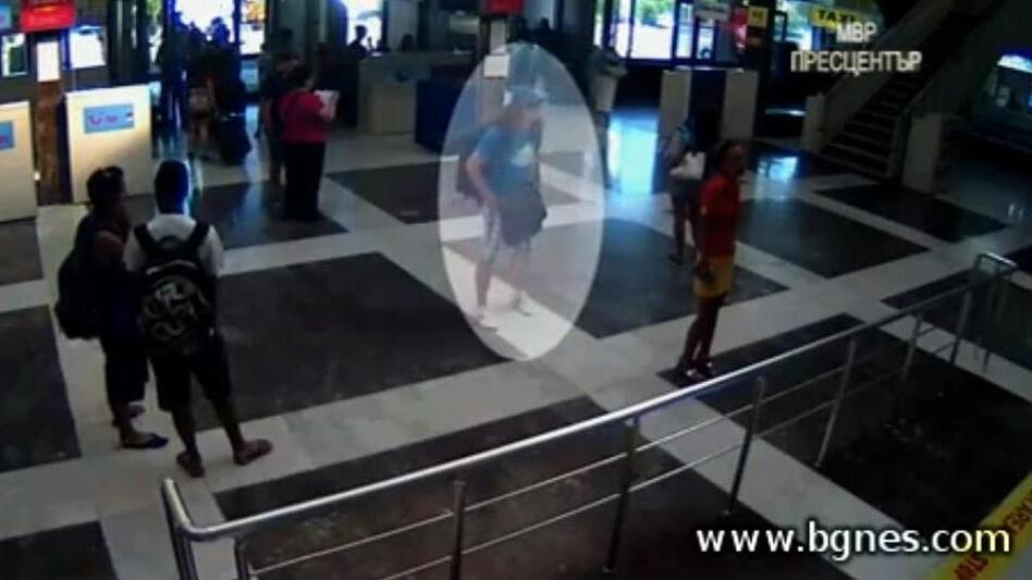 A screen grab from the surveillance video showing the man who it's suspected set off a bomb aboard a bus full of Israeli tourists in Burgas, Bulgaria. (BGNES.com)