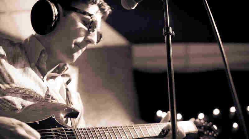 Nick Waterhouse performs live on KEXP.