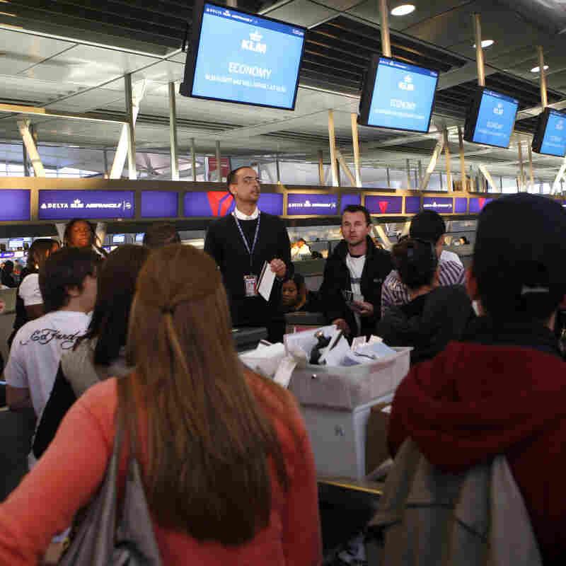 Epidemics Prefer Changing Planes In JFK Over ATL