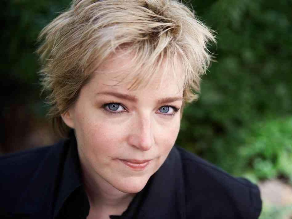 In addition to her Will Trent series, Karin Slaughter has also written a series of crime novels set in the fictional town of Heartsdale, Ga.