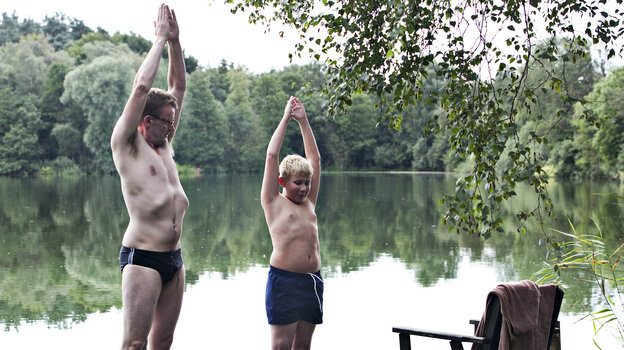 To prove his abilities as a father, Frank (Frank Hvam) takes his nephew Bo (Marcuz Jess Petersen) on what was planned as a no-wives-allowed canoe trip. Klown has already been picked up for an American remake, slated for 2013.