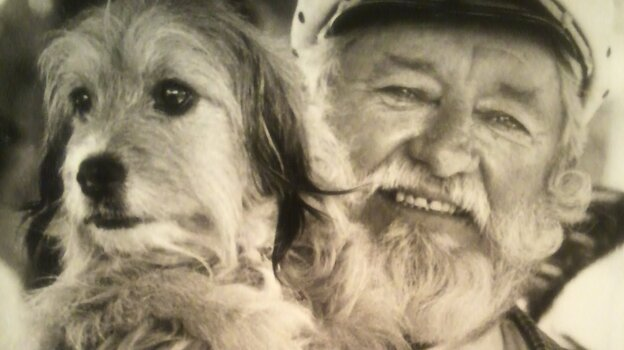 Hollywood animal trainer Frank Inn with Higgins, a shelter dog known for his starring roles in the 1960s TV series Petticoat Junction and the 1974 film Benji. (Courtesy of Kathleen Copson)