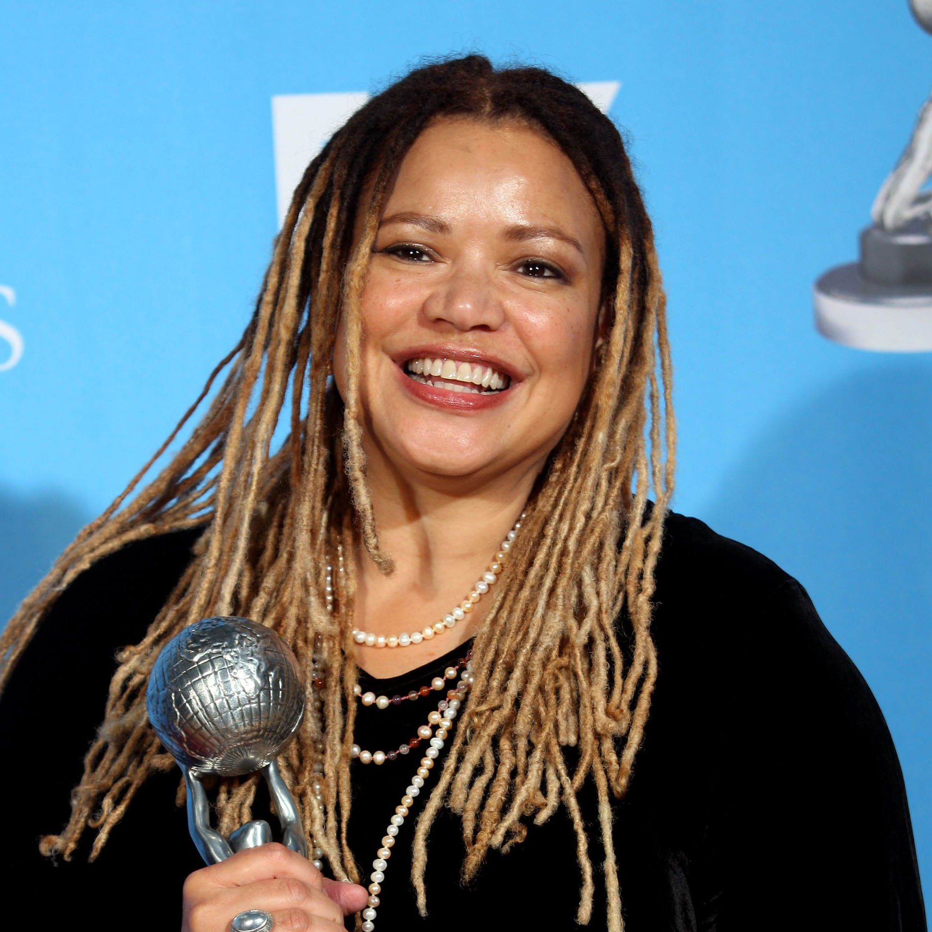 Writer-director Kasi Lemmons poses with her Outstanding Directing in a Motion Picture award for Talk to Me at the 39th NAACP Image Awards.