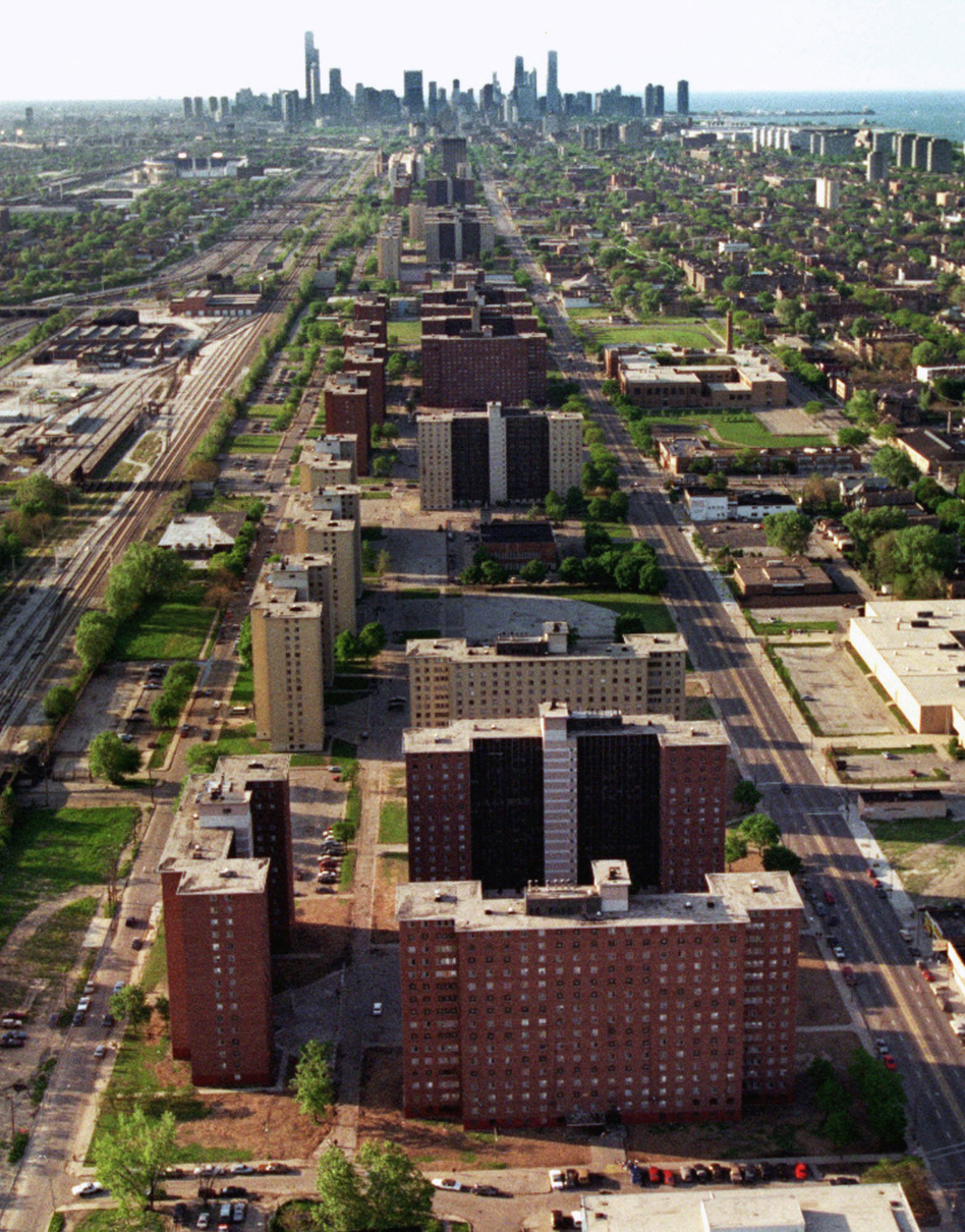 Two miles of 16-story towers, including the Robert Taylor homes in the foreground, stretch toward the Chicago skyline in 1996. They have since been torn down. (AP)