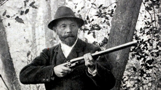 Leon de Lunden of Belgium won the live pigeon shooting event at the 1900 Olympics in Paris — the only time in Olympic history when animals were killed on purpose. (Popperfoto/Getty Images)