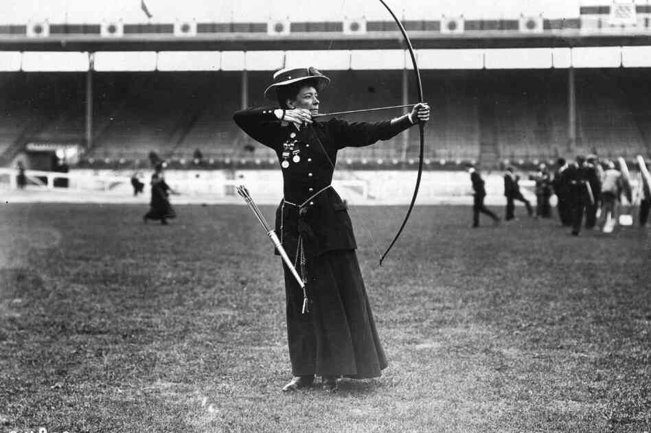 Beatrice Hill-Lowe was the bronze medal winner in women's archery.