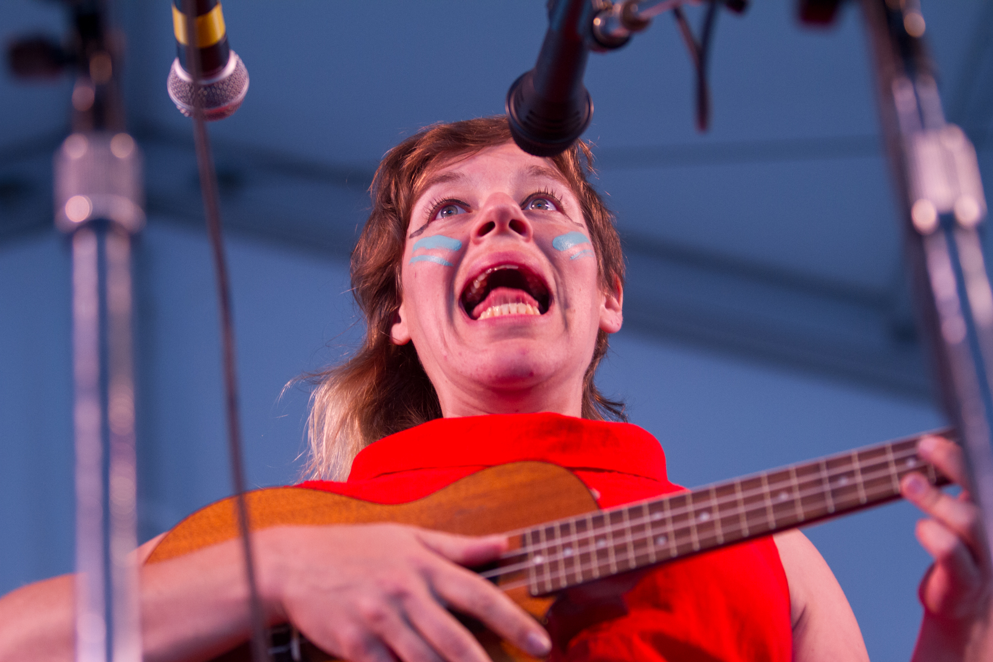 In facepaint and with ukelele in hand, tUnE-yArDs' Merrill Garbus had the folk festival attendees in an ecstatic dance during an epic rave-up.