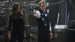 Lori (Kate Beckinsale) and Vilos (Bryan Cranston) are two enemies that come to light after Quaid visits Rekall.
