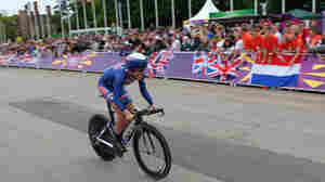 Kristin Armstrong rides on her way to winning the women's individual time trial at the London 2012 Olympic Games.