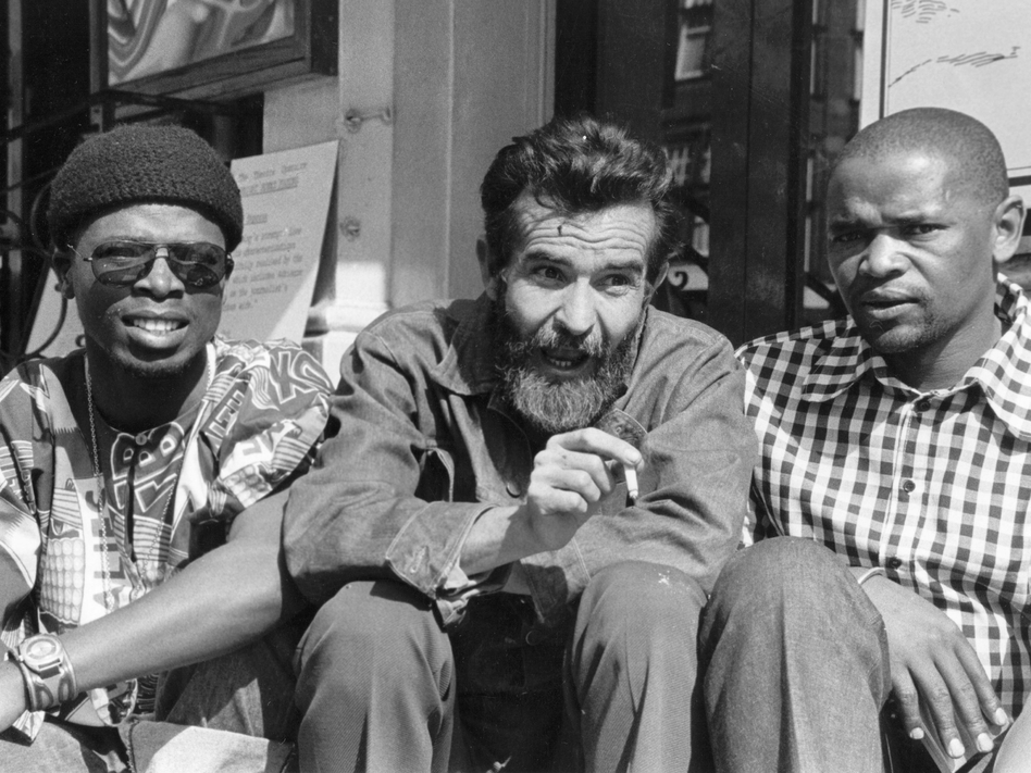sizwe bansi is dead athol fugard Athol fugard - world literature - is a resource for students who seek information beyond the simple biographical details of an author's sizwe bansi is dead.
