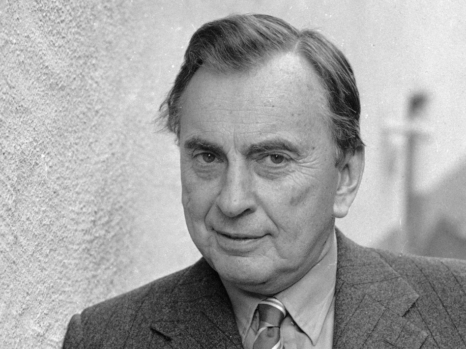 Author Gore Vidal in 1986. Vidal, whose prolific writing career spanned six decades, died Tuesday at age 86.