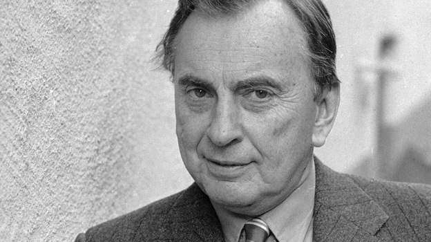 Author Gore Vidal in 1986. Vidal, whose prolific writing career spanned six decades, died Tuesday at age 86. (AP)