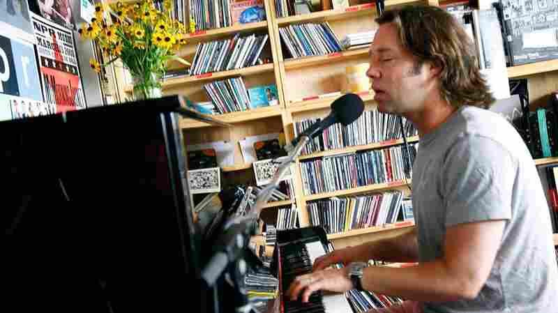 Rufus Wainwright: Tiny Desk Concert