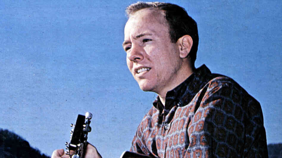 At his peak in the 1960s, Billy Edd Wheeler was writing songs for the likes of Johnny Cash, Neil Young, Elvis Presley and Hazel Dickens.
