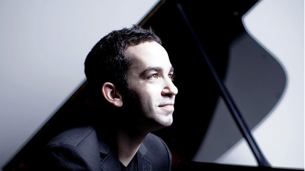 The young pianist Inon Barnatan plays Debussy and Ravel with striking assurance. (Avie Records)