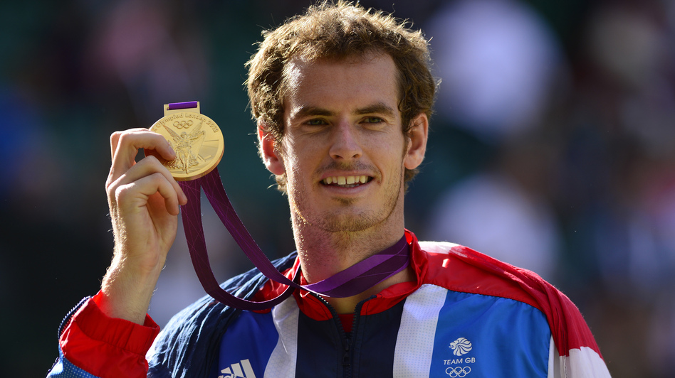 Gold for queen and country: Great Britain's Andy Murray celebrates after his win. (AFP/Getty Images)