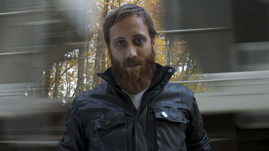 Dan Auerbach Likes It Fast, Simple And Loud