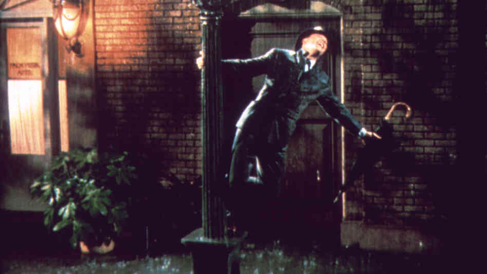 Gene Kelly stars as Don Lockwood in Singin' in the Rain. In celeb