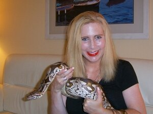 Taryn Hook was so worried about her sick boa constrictor, Larry, that she appealed to a virologist at the University of California, San Francisco, for help.