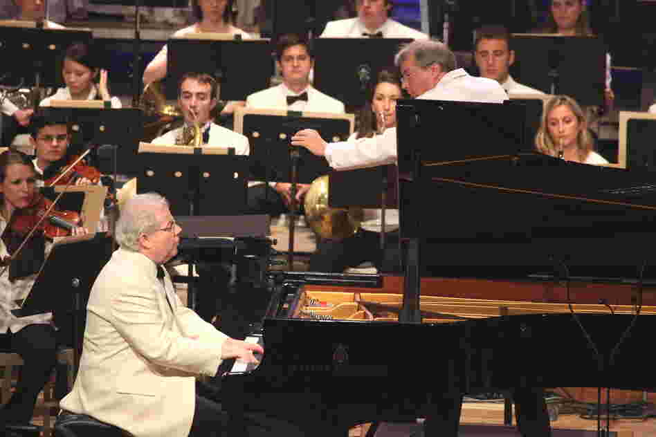 Emanuel Ax, a longtime friend of Tanglewood, teamed up with the young musicians of the Tanglewood Music Center Orchestra and conductor Stefan Asbury in two movements from Haydn's Piano Concerto No. 11 in D Major.