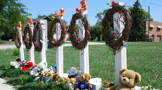 A makeshift memorial outside the Sikh Temple of Wisconsin in honor of the six people who were killed there. (AFP/Getty Images)