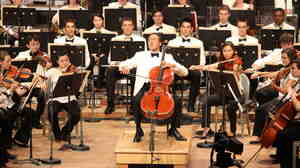 Yo-Yo Ma offered a graciously warm performance of Tchaikovsky's Andante Cantabile for cello and strings with student musicians.