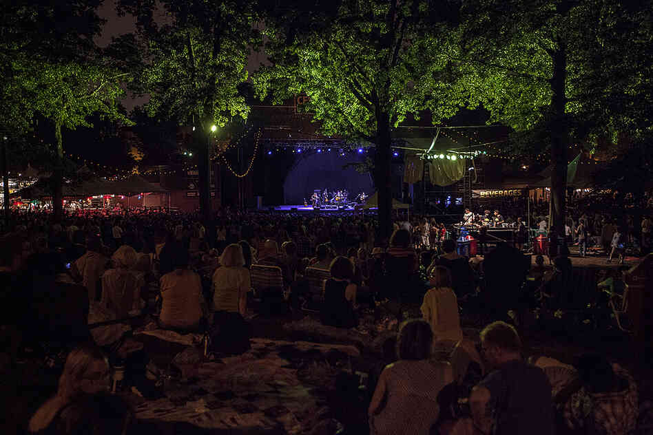 Celebrate Brooklyn is a long-running free concert series in Prospect Park. Lovett's show marked the close of the 34th season.