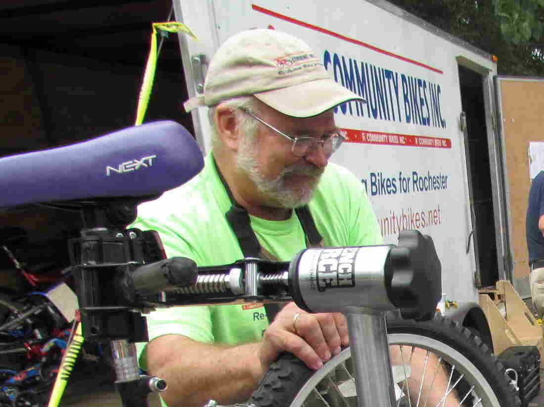 Dan Lill of R Community Bikes.
