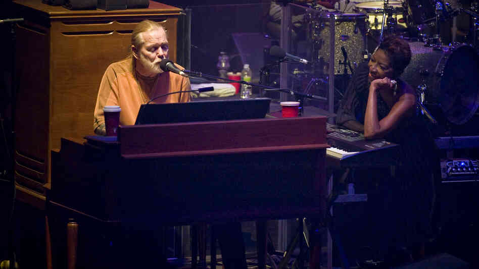 Gregg Allman and Natalie Cole perform at the Tune In to Hep C benefit concert at the Beacon Theatre in New York on July 27, 2011. Both singers have battled chronic hepatitis C.