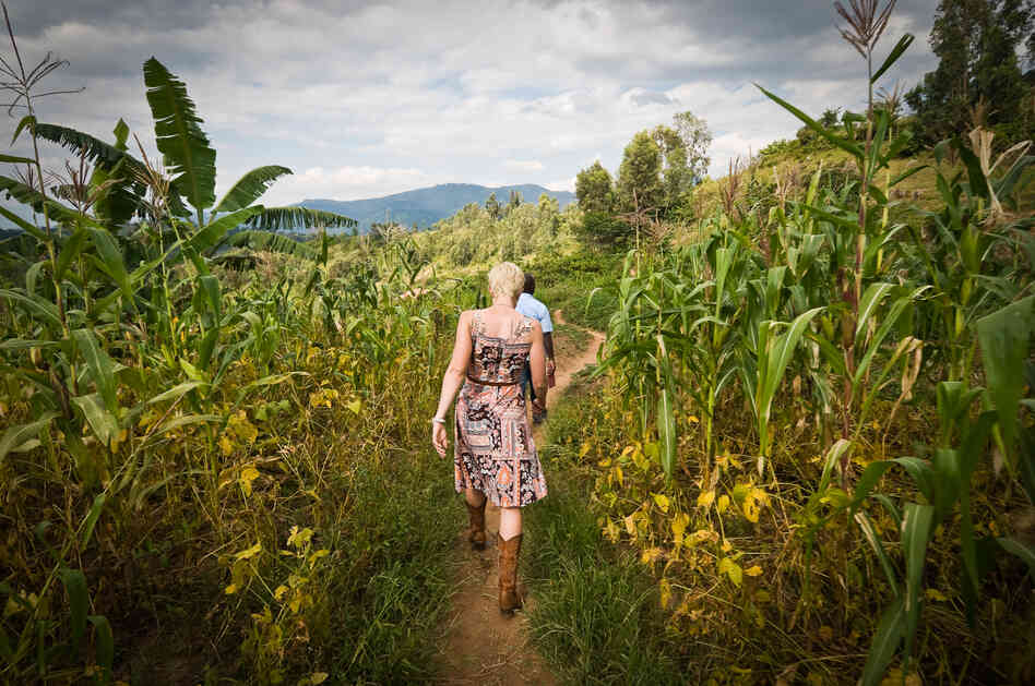 After the genocide in 1994, Rwanda's coffee industry privatized, and the farmers learned to produce premium coffee. Now their beans are sought by coffee buyers and gurus around the world. Here, Sarah Kluth, a buyer from In