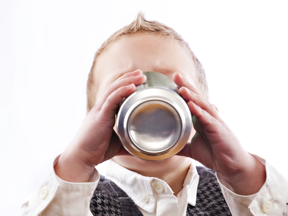 Even Junior is drinking diet soda now. But is it good for him? (iStockphoto.com)