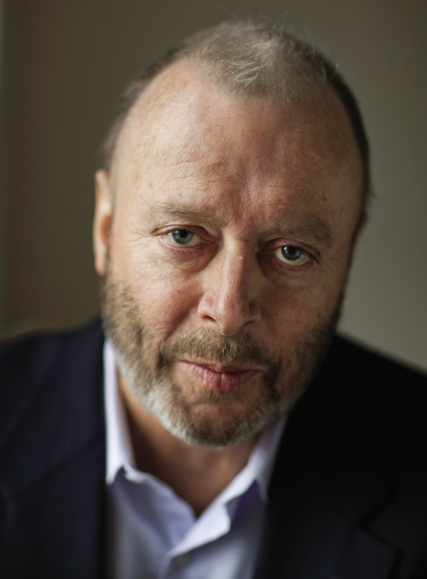Christopher Hitchens Dies of Esophageal Cancer at 62