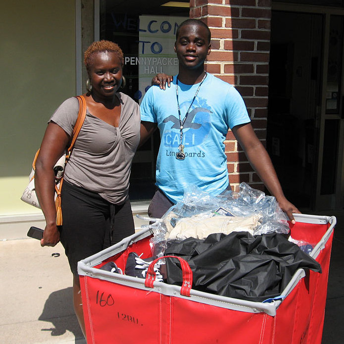 Penn State freshman Samuel Russ, of Germantown, Md., and his mother, Rina Russ, moving his things into the dorm.
