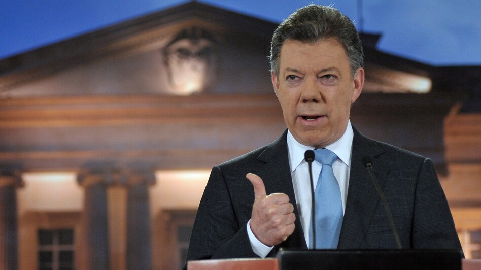 Colombian President Juan Manuel Santos delivering a speech to the nation at Narino Palace in Bogota. (AFP/Getty Images)