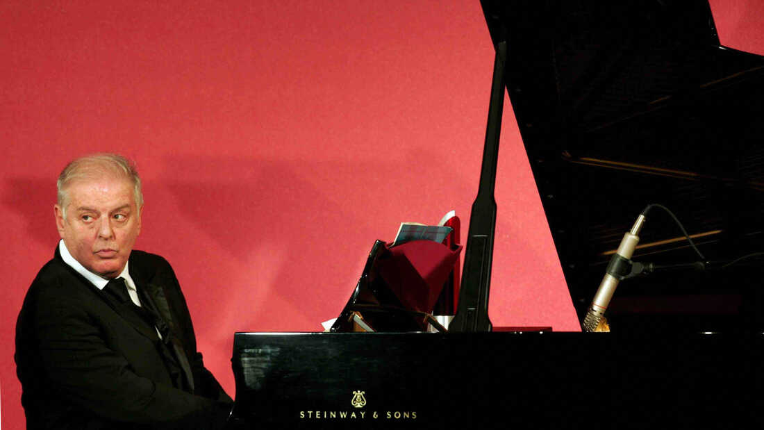 Barenboim's Beethoven: A Soloist And Conductor In Complete Agreement