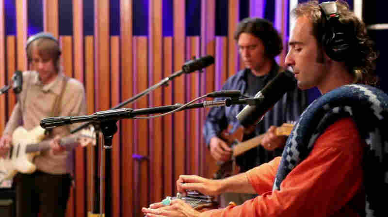 Beachwood Sparks performs live on KCRW's Morning Becomes Eclectic.
