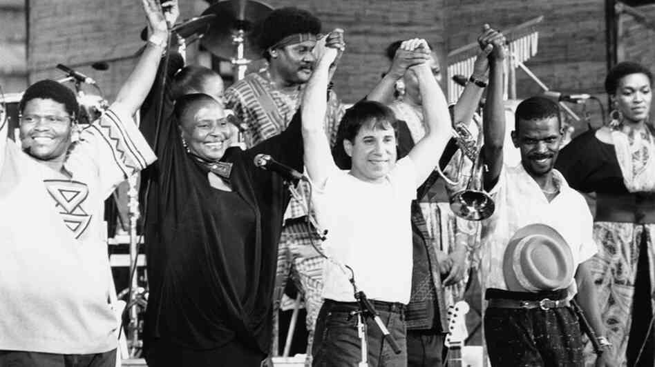 Paul Simon with Ladysmith Black Mambazo in 1987.
