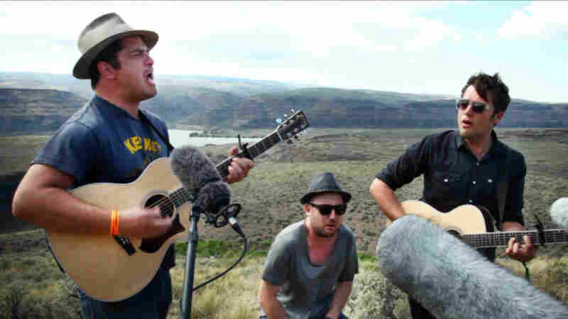 We Are Augustines: Somewhere Over The Mountain