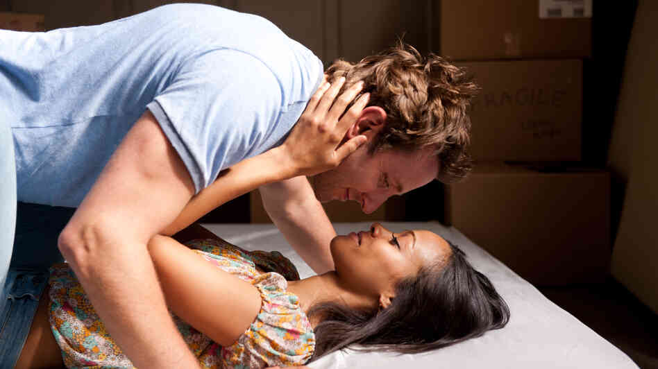 Frustrated author Rory (Bradley Cooper) and his wife, Dora (Zoe Saldana), come into possession of a manuscript that Rory decides to pass off as his own.