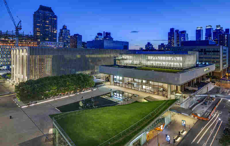 LCT3's Claire Tow Theater is a two-story structure built on a steel truss that straddles the roof of Lincoln's Vivian Beaumont Theater. Before or after performances, theatergoers can mingle over drinks at a roofdeck bar that overlooks Lincoln Center and the surrounding neighborhood.