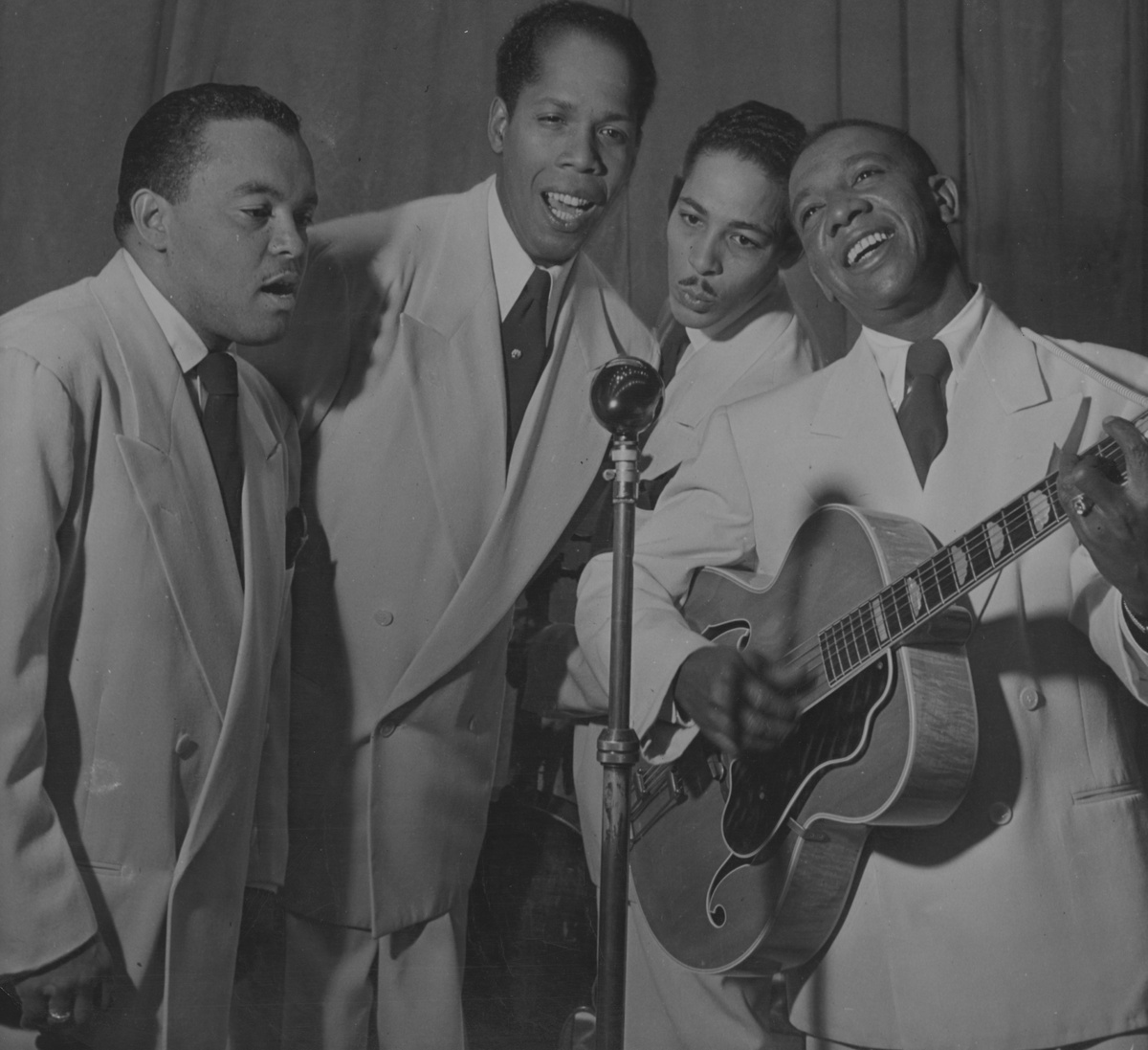Vocal Groups Like The Ink Spots Went On For Decades Often Without A Single Member Of Original Group Appearing With Them Fred Ramage Getty Images Hide