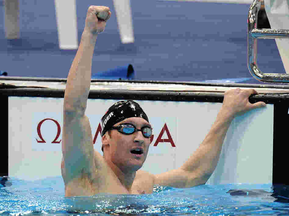 Bradley Snyder celebrates after winning gold in the 400-meter freestyle at the Paralympics in London on Friday. The Navy lieutenant won the event exactly one year after losing his sight in an explosion in Afghanistan.