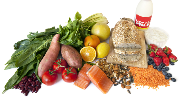 Eating low-glycemic foods, or foods that take longer to digest, may help you feel fuller for a longer period of time. (iStockphoto.com)