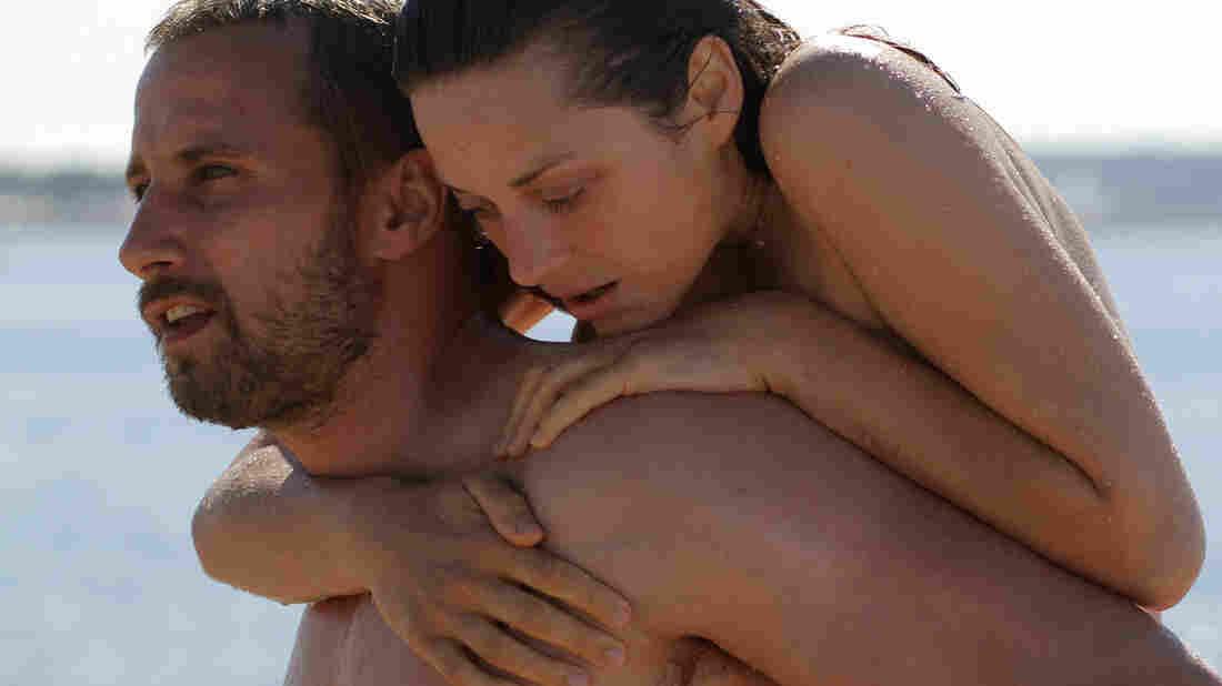 Matthias Schoenaerts and Marion Cotillard star in Rust & Bone.