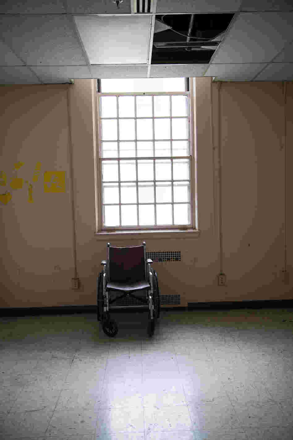 A empty room is seen inside Building 209. Although the building is supposed to be used to house disabled vets, it is currently vacant and uninhabitable.