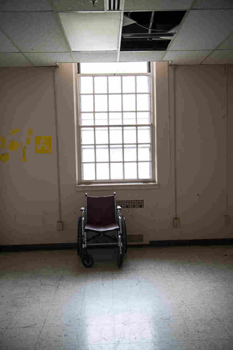 An empty room is seen inside Building 209. Although the building is supposed to house disabled vets, it is currently vacant and uninhabitable.