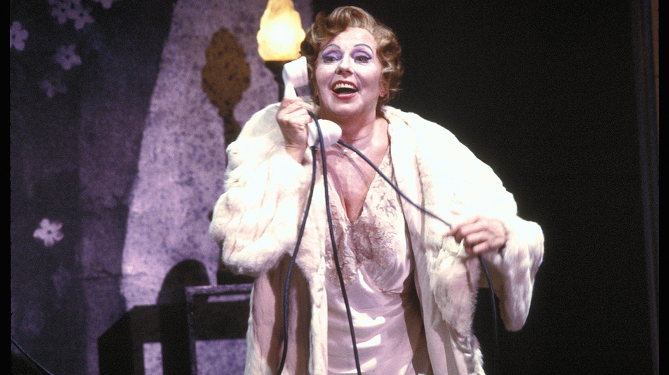 Magda Olivero performing Francis Poulenc's one-woman opera La voix humaine at San Francisco Opera in 1979.